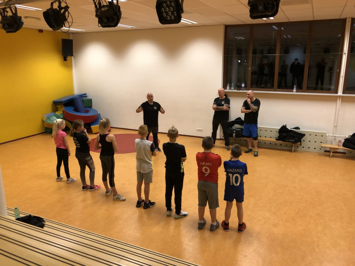 Kindertrainingen gaan van start.